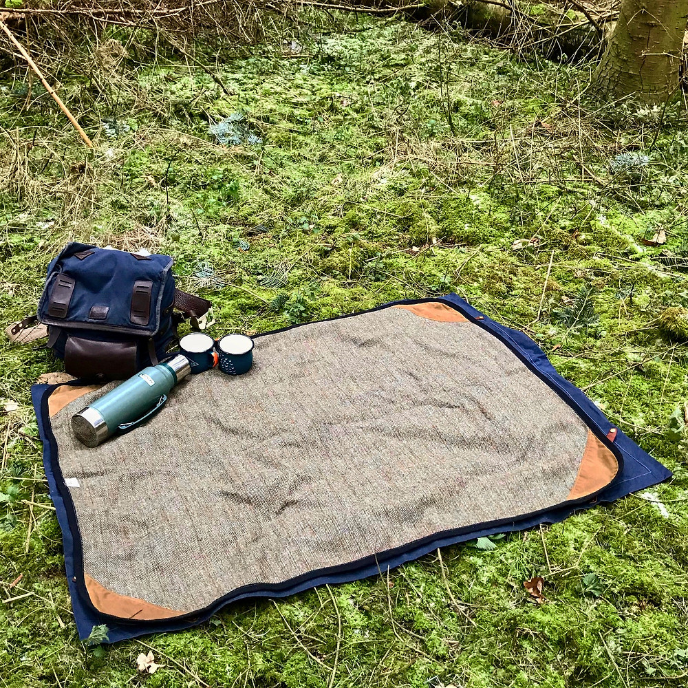 Rugs are so handy on camping & glamping holidays.. find a nice spot, lay it out and viola!