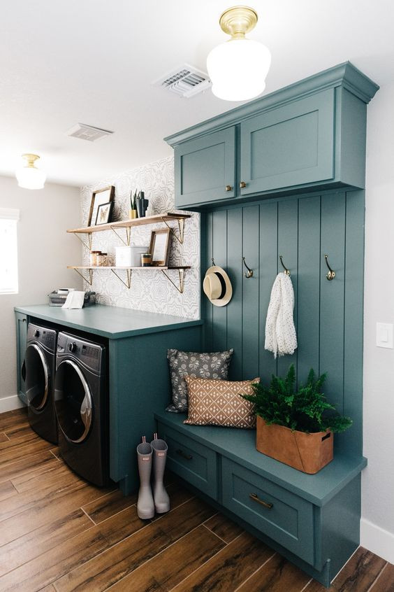 Mudroom and laundry room combination