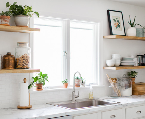Decorating with Floating Kitchen Shelves