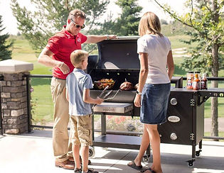 Louisiana-Grill-Family-Outside.jpg