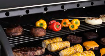 Louisiana-Grills--Top-Tray-with-Food.jpg