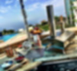 Uuni 3 by pool.jpg