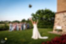 wedding-photographer-2571119.jfif