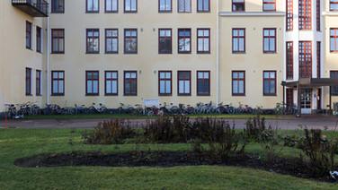 24 novembre 2017, Halikko, Finlande.   Apparait ici le second bâtiment qui ouvre en janvier 2016. Des travaux avaient été effectués au préalable pour y accueillir les demandeurs d'asile.