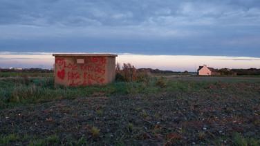 24 septembre 2015, dans kes environs de Calais.  Solidarité exprimée en faveur des demandeurs d'asile.