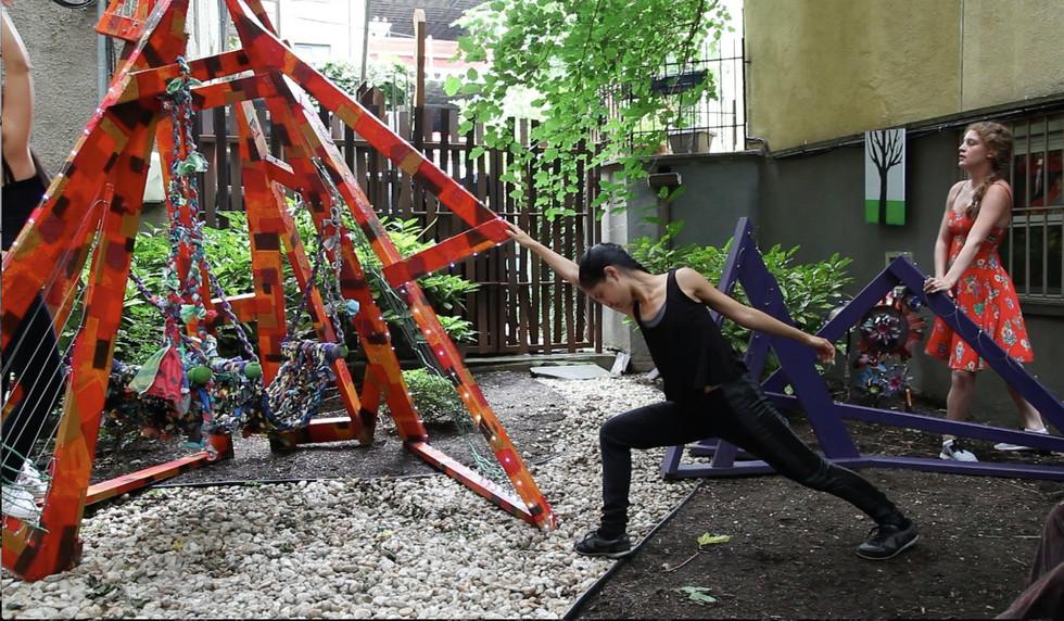 Triangula in performance
