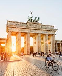 Berlin, Brandenburger Tor Regierunsgviertel © visitBerlin, Foto: Dagmar Schwelle