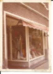 """Boven deze winkel was """"Radio Zatteliet"""" gevestigd"""