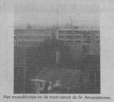 Het muziekhuisje en de mast gezien vanaf de St.-Amandstoren