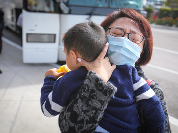 Para todas aquellas madres que no son enfermeras pero luchan contra la pandemia