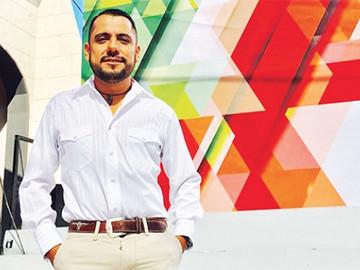 Critican a Funcionario de Cultura de Saltillo por asistir a fiesta gay de vaqueros