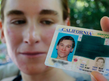 California aprueba nueva ley para reconocer un tercer género