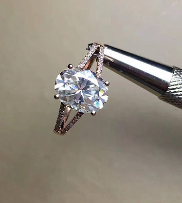moissanite ring custom jewellery engageent ring diamnd alternative eco-friendy conflict-free