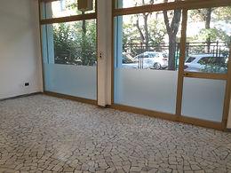 via Leandro Alberti ufficio 4 vetrine