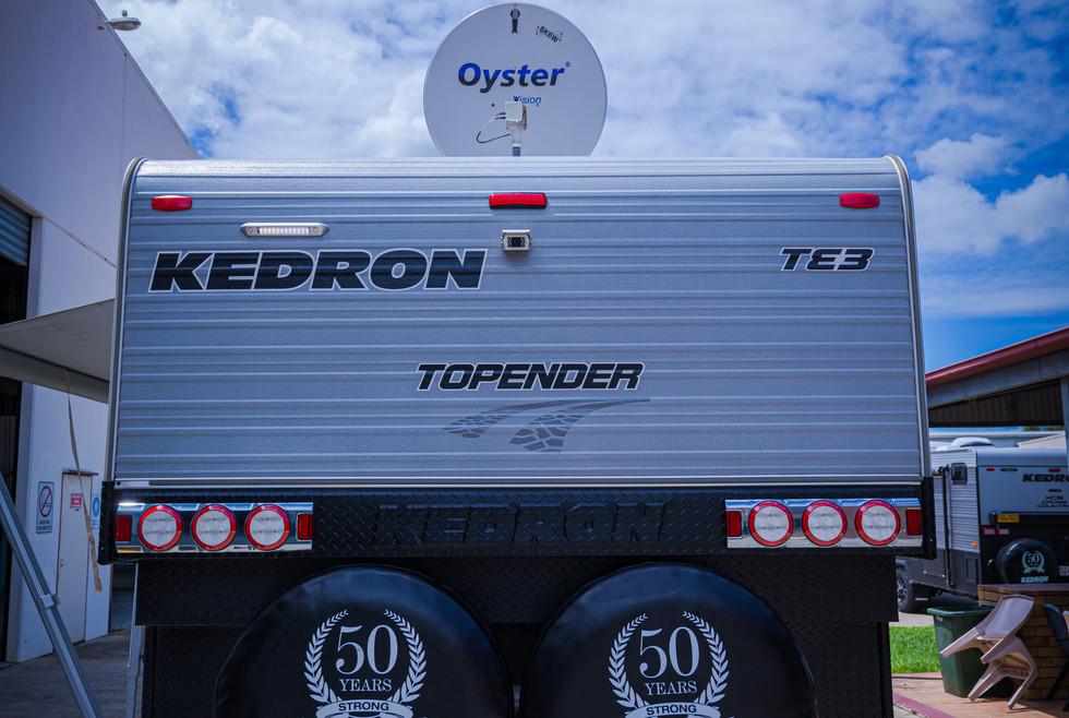 1551 - KEDRON 21ft TOPENDER® 2014 Displa