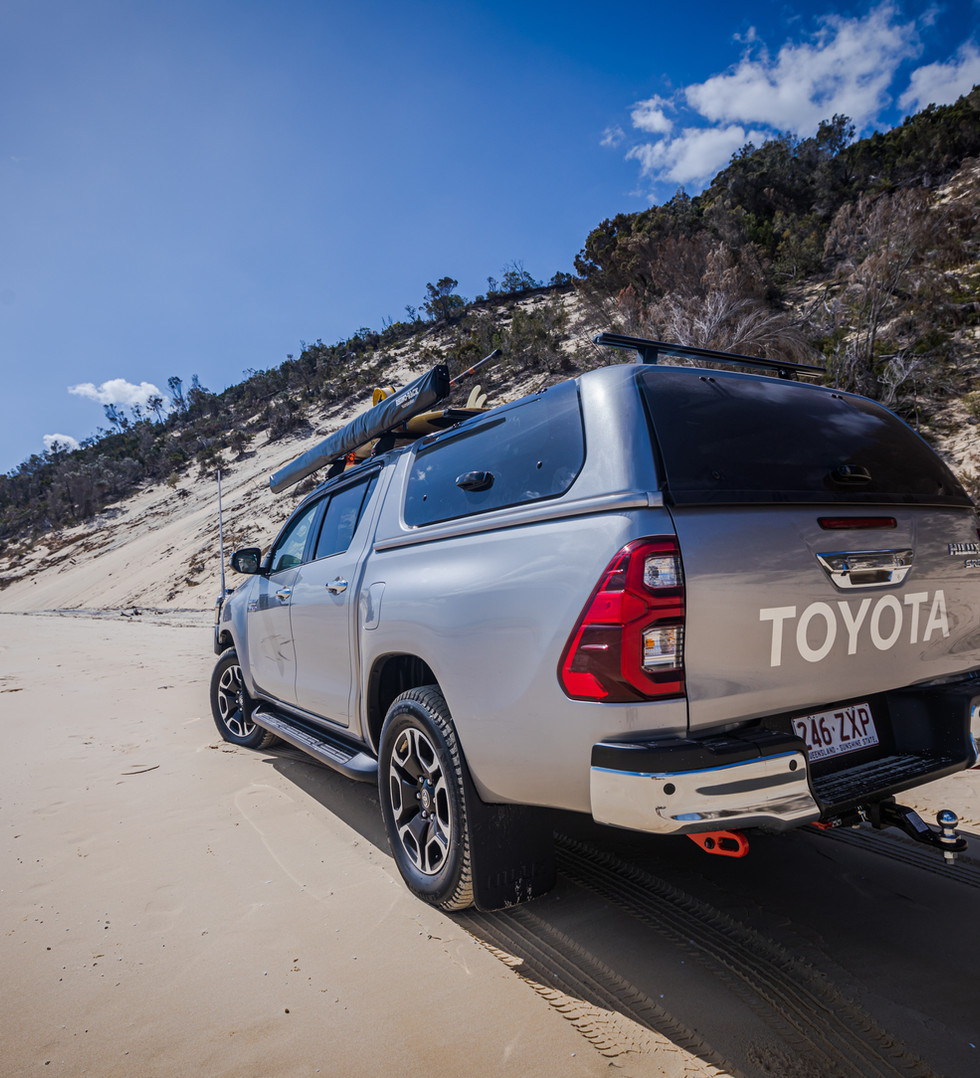 Toyota Genuine canopy - central locking - lift up glass access doors