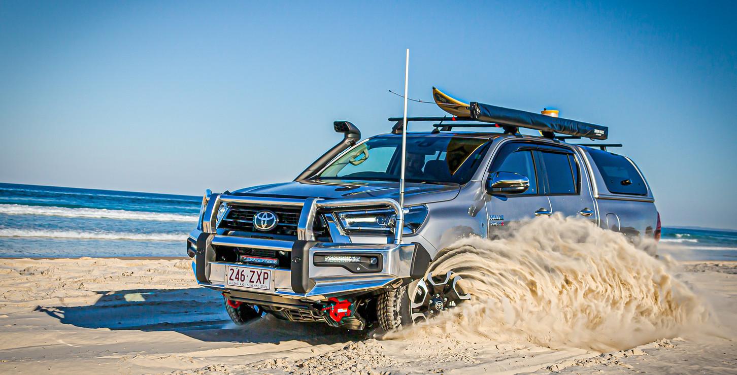 Toyota Hilux - sand spray - image Glen Gall ©️