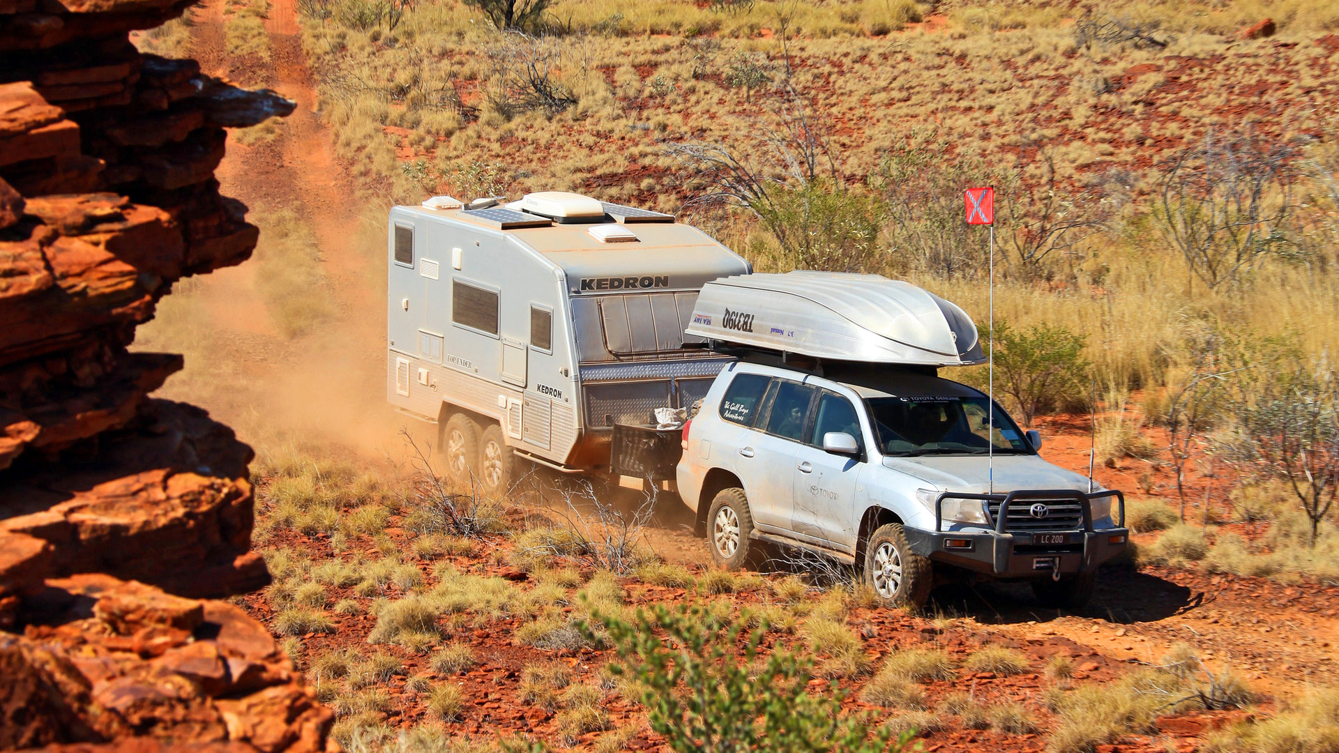 Toyota LC200 towing on The Canning Stock Route - KEDRON Caravans - image Glen Gall ©️