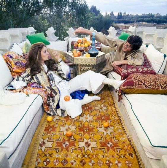 Paul & Talitha Getty pose in the roof terrace of their Marrakech home. Getty Images.