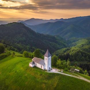 Jamnik Church