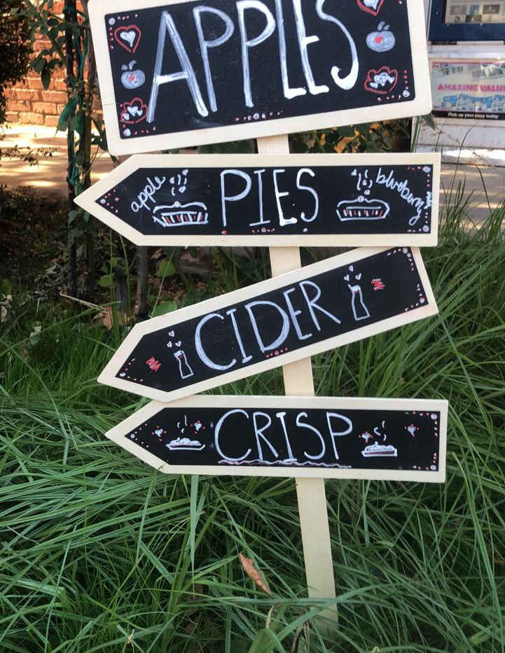 Sign at the Springville Apple Festival