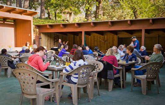 Patio Dining at the Pierpoint Bar & Grill
