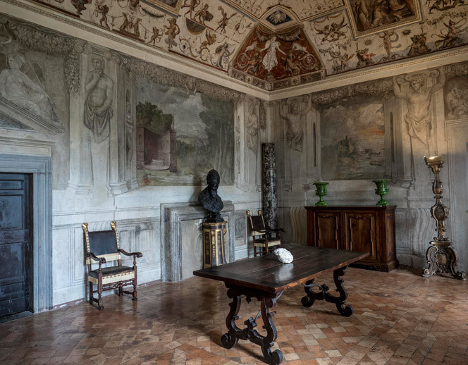 Salone a Palazzo del Drago