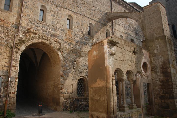 Vestigia del chiostro del XIII secolo