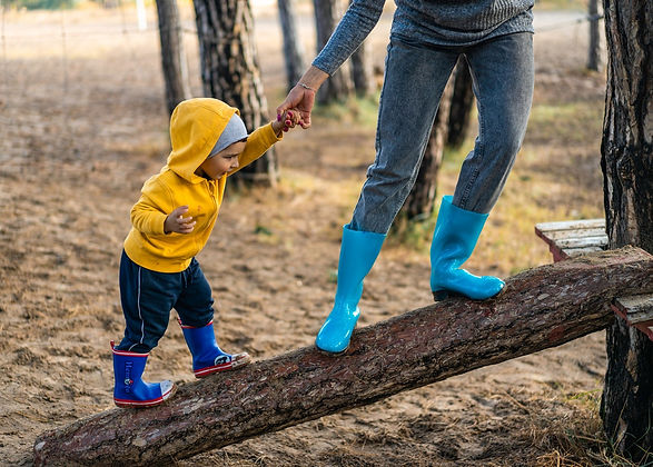 Child_Parent_outside.jpg