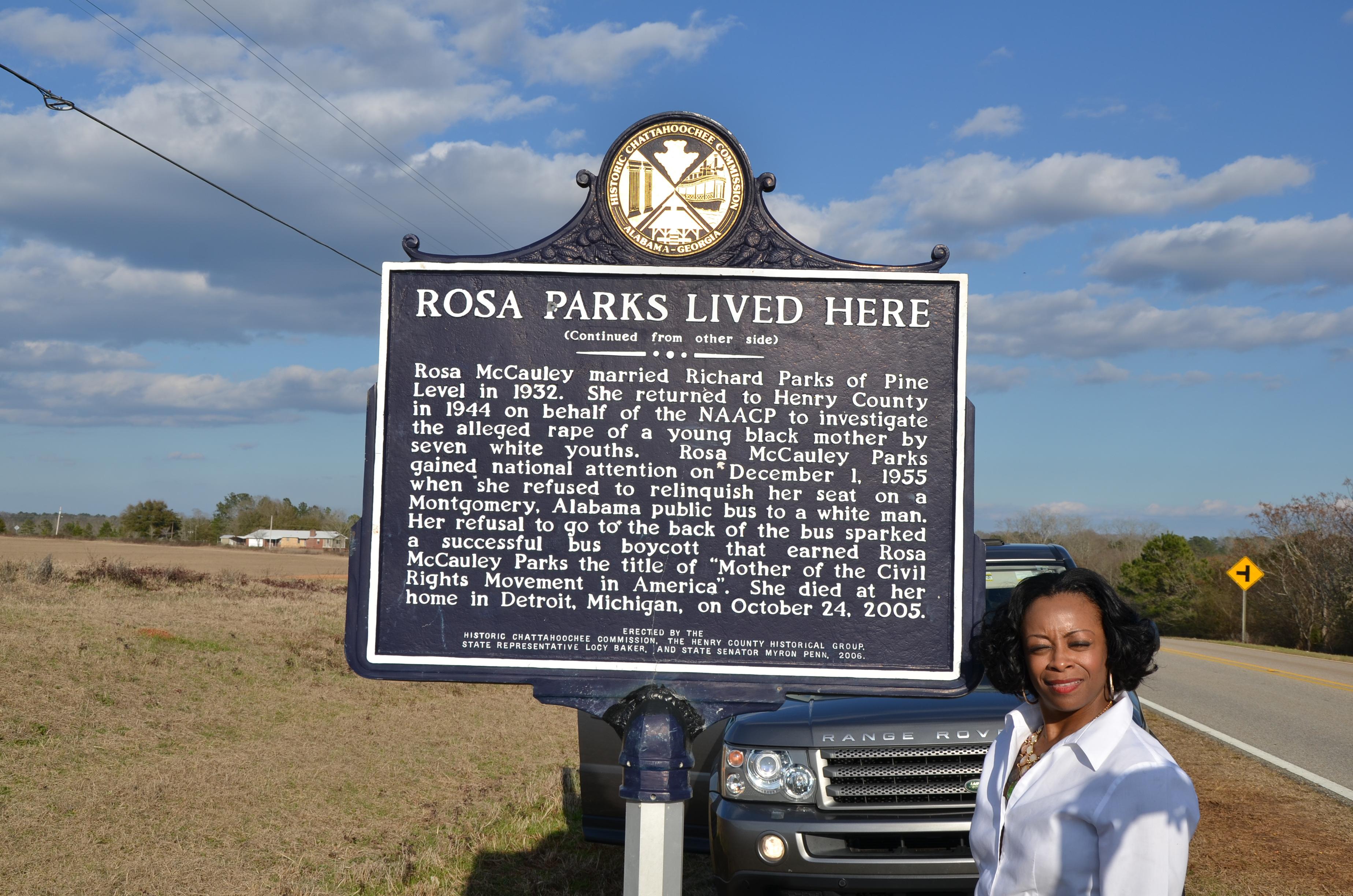 Visits landmark in hometown