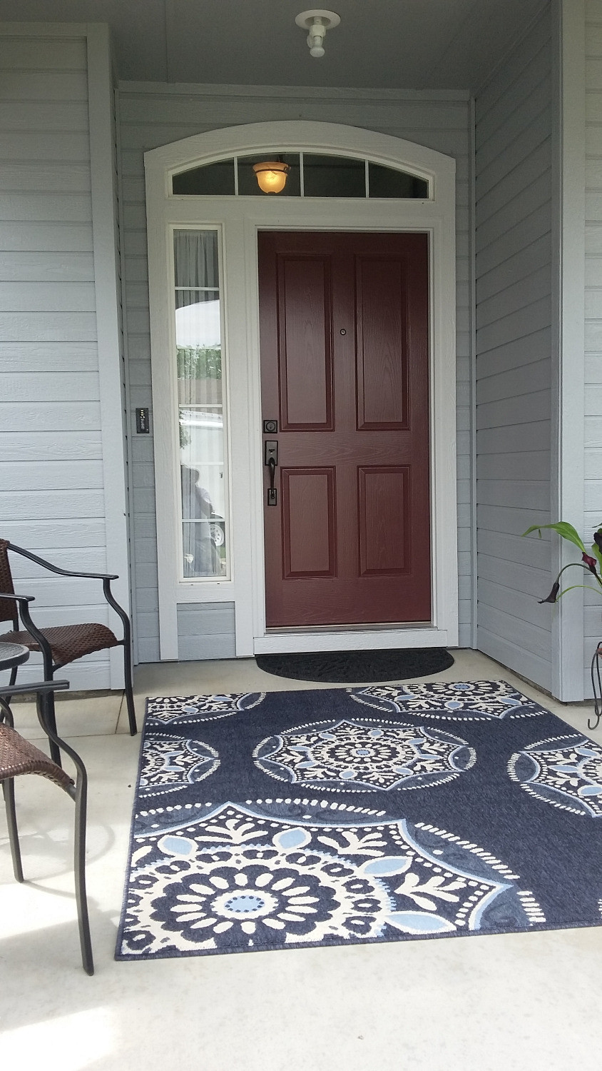 Rich color door and trim.Making a great first impression