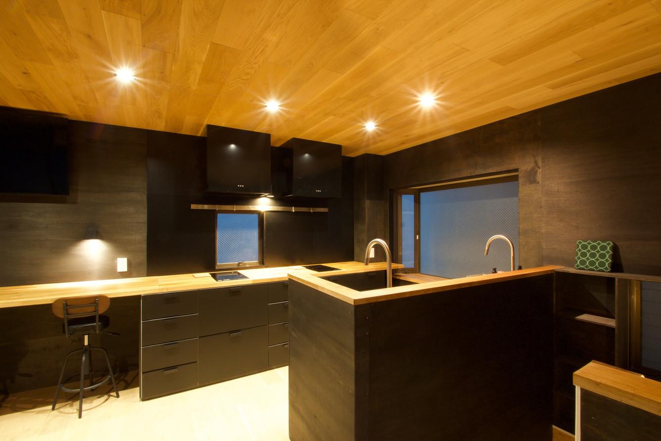 50%kitchen night1.jpg