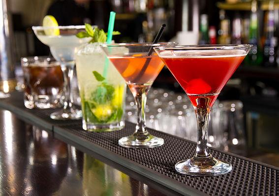 Alcoholic cocktail 2.jpg