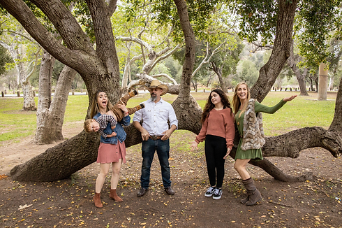 Irvine Regional Park Family PHotos Tom K
