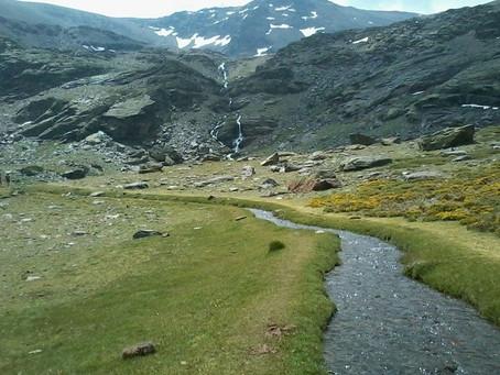 Trekking Lavaderos de la Reina with Explora Güéjar Sierra