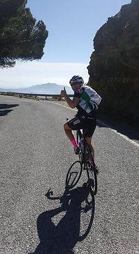 Road biking en el camino de Cabra