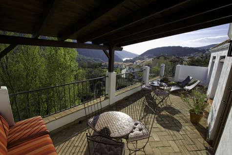 Commune terrace