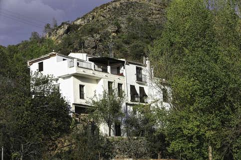 casa rural, rear view