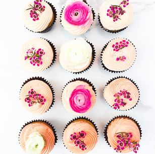 Peach Ombre Floral Cupcakes