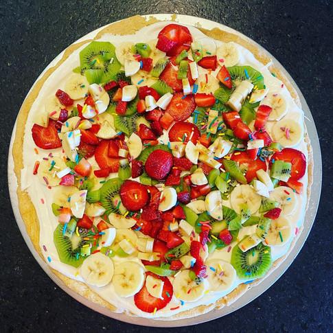 It's Nanne's Birthday Fruit Pizza