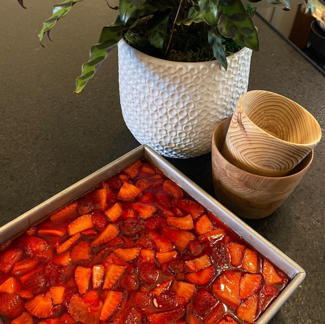 Ole' Thyme Strawberry Dessert
