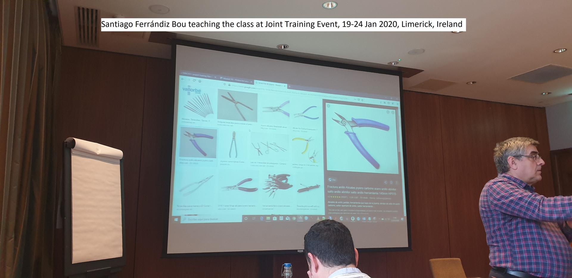 Santiago Ferrandiz Bou teaching the clas