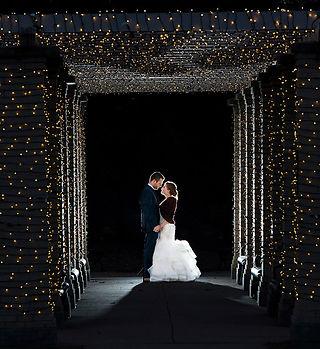 Wedding couple at VanderVeer by Rick Jennisch