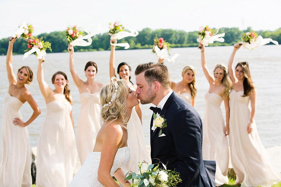 Wedding couple with bridesmaids in Davenport by Rick Jennisch