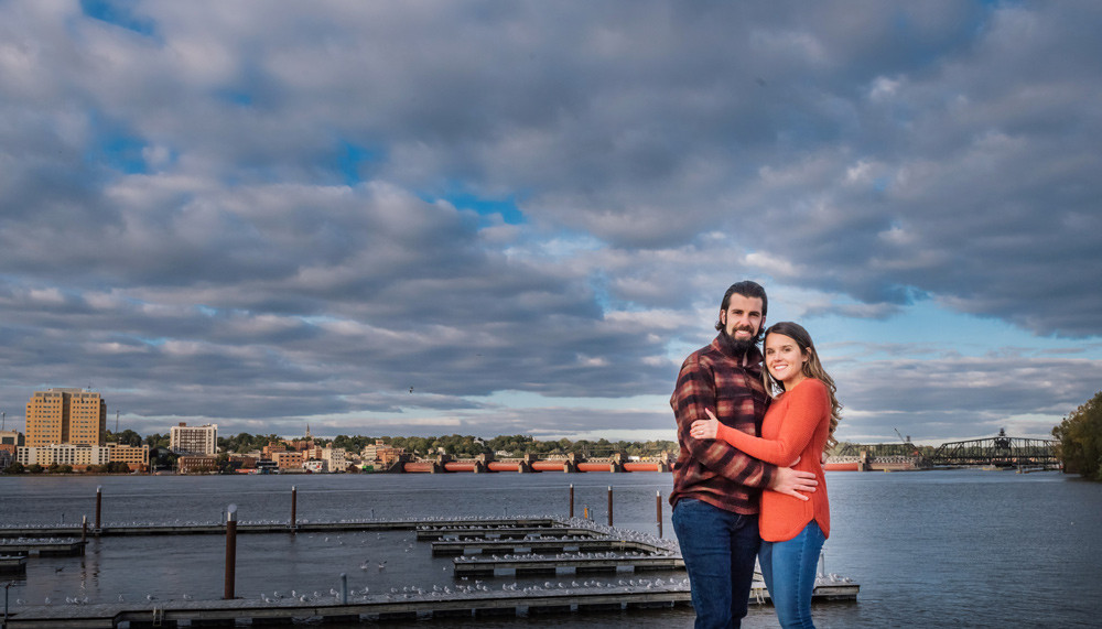 Engagement photo on the MIssissippi