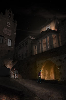 Chiesa_del_Gesù_e_scalinata.jpg