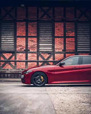 Automotive-photography-my-redGiulia-9.jp
