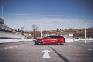 VolvoV60-shooting_my_redGiulia-5.jpg