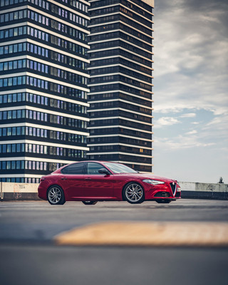 Automotive-photography-my-redGiulia-12.j