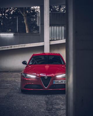 Automotive-photography-my-redGiulia-11.j